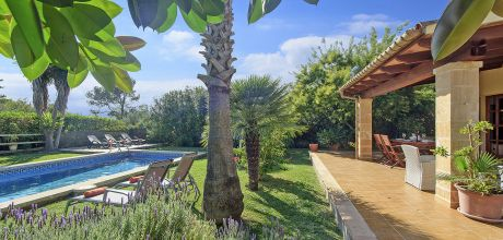 Mallorca Nordküste – Puerto Pollensa 2050 mit Pool und Garten, Strand = 1,6 km, Grundstück 1.000qm, Wohnfläche 85qm . An- und Abreisetag nur Samstag!