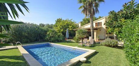 Mallorca Nordküste – Puerto Pollensa 2050 mit Pool und Garten, Strand = 1,6 km, Grundstück 1.000qm, Wohnfläche 85qm . An- und Abreisetag nur Samstag! – 2018 jetzt buchen!