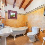 Ferienhaus Mallorca MA3162 Badezimmer mit Wanne