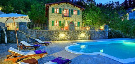 Ferienhaus Toskana Casatico 3647 mit Pool für 7 Personen in Meernähe (ca. 60 km). An- und Abreisetag Samstag.
