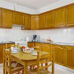 Ferienhaus Algarve ALS3002 Küche mit Tisch