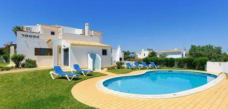 Ferienhaus Algarve Castelo 3002 mit privatem Pool und Internet für 6 Personen. An- und Abreisetag Samstag, Nebensaison flexibel auf Anfrage.