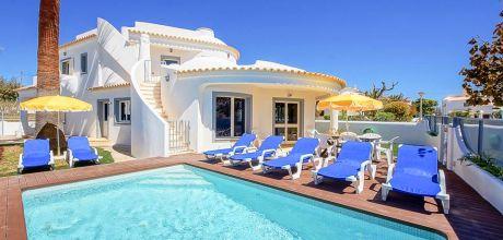 Ferienhaus Algarve Gale 4062 mit privatem Pool nur ca. 600m vom Strand entfernt. An- und Abreisetag Samstag, Nebensaison flexibel auf Anfrage.