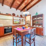 Ferienhaus Mallorca MA2024 Küche mit Tisch