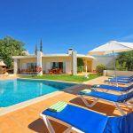 Ferienhaus Algarve ALS3004 Poolterrasse mit Liegen