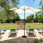 Finca Mallorca MA23487 Garten mit Sonnenliegen