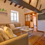 Finca Mallorca MA53473 Wohnraum mit TV