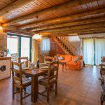 Ferienhaus Kreta KV23476 Küche mit Esstisch