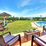Ferienhaus-Algarve-ALS4601-Garten-mit-Swimmingpool