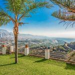 Ferienhaus-Costa-del-Sol-CSS4115-Garten-mit-Palmen