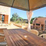 Ferienhaus Mallorca MA2299 überdachter Essplatz im Garten