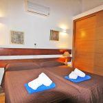 Ferienhaus Mallorca MA2299 Schlafraum mit Schrank