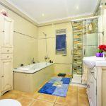 Finca Mallorca MA3928 Bad mit Wanne und Dusche