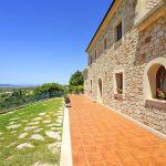 Finca Mallorca MA3928 Terrasse um das Haus