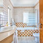 Villa-Algarve-ALS3500-Bad-mit-Wanne