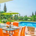 Villa-Algarve-ALS3500-Terrasse-mit-Gartentisch