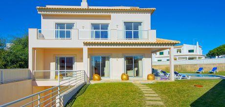 Villa Algarve Gale 4600 mit privatem Pool und Billardtisch für 8 Personen, Strand = 600m. An- und Abreise Samstag, Nebensaison flexibel auf Anfrage.