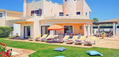 Villa Algarve Gale 4602 mit privatem Pool und Internet für 8 Personen, Strand = 1,3 km. An- und Abreisetag Samstag, Nebensaison flexibel auf Anfrage gegen Aufpreis – Mindestmietzeit 1 Woche.
