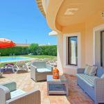 Villa-Algarve-ALS4602-Terrasse-mit-Gartenmöbel