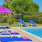 Villa-Algarve-ALS4604-Sonnenliegen-am-Pool