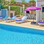 Villa-Algarve-ALS4604-Swimmingpool-mit-Gartenmöbel