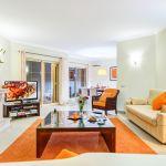 Villa-Algarve-ALS4608-Sitzecke-mit-Kamin-und-TV
