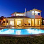 Villa-Algarve-ALS4608-mit-Beleuchtung-am-Abend