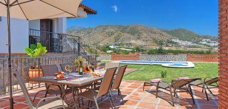 Ferienhaus Costa del Sol Nerja 4023 mit Pool und Whirlpool für 8 Personen, Strand = 1,8 km. An- und Abreisetag Samstag, Nebensaison flexibel auf Anfrage gegen Aufpreis – Mindestmietzeit 1 Woche.