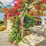 Ferienhaus Mallorca MA43507 Bogengang mit Bouganvilea