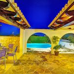 Ferienhaus Mallorca MA43507 beleuchtete Terrasse am Abend