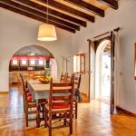 Ferienhaus Mallorca MA43507 offene Küche mit Esstisch