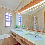 Villa-Algarve-ALS3008-Bad-mit-Wanne