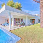 Ferienhaus-Algarve-ALS3014-Gartenmöbel-auf-der-Terrasse