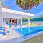Ferienhaus-Algarve-ALS3014-Sonnenliegen-am-Pool