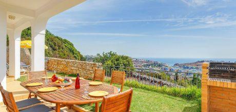 Ferienhaus Algarve Albufeira 3016 mit privatem Pool und Meerblick für 6 Personen. Strand = 2,6 km. Wechseltag Samstag, Nebensaison flexibel auf Anfrage – Mindestmietzeit 1 Woche.
