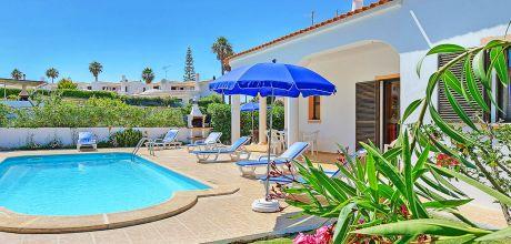 Ferienhaus Algarve Castelo 3017 mit Pool und Internet für 6 Personen, Strand = 900m. Wechseltag Samstag, Nebensaison flexibel auf Anfrage – Mindestmietzeit 1 Woche.