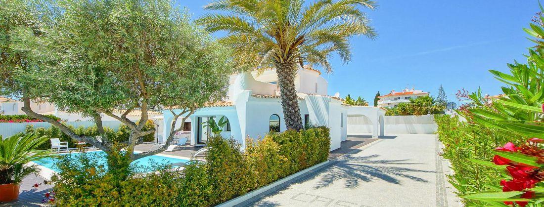 Ferienhaus-Algarve-ALS3018-Zufahrt-zum-Haus