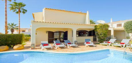 Ferienhaus Algarve Gale 4609 mit privatem Pool für 8 Personen, Strand = 400m. Wechseltag Samstag, Nebensaison flexibel auf Anfrage – Mindestmietzeit 1 Woche. 2019 buchbar.