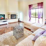 Ferienhaus-Algarve-ALS4609-Sitzecke-mit-TV