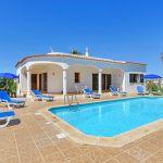Ferienhaus-Algarve-mit-Swimmingpool-ALS3017