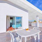 Villa-Algarve-ALS3013-Terrasse-mit-Esstisch