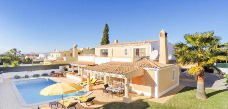 Villa Algarve Gale 3019 mit privatem Pool und Internet für 6 Personen, Strand = 1,3 km. Wechseltag Samstag, Nebensaison flexibel auf Anfrage – Mindestmietzeit 1 Woche. 2019 buchbar.