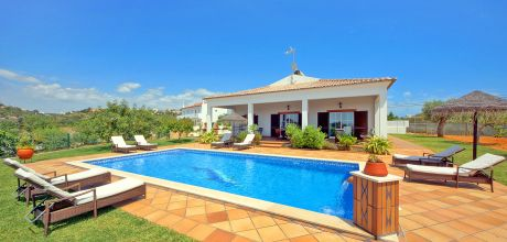 Ferienhaus Algarve Gale 4617 mit privatem Pool und Internet für 8 Personen, Strand = 1,6 km. Wechseltag Samstag, Nebensaison flexibel auf Anfrage – Mindestmietzeit 1 Woche.
