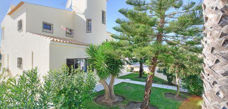 Villa Algarve Gale 4618 mit privaten Pool für 8 Personen nur ca. 500 m vom Strand entfernt. Wechseltag Samstag, Nebensaison flexibel auf Anfrage gegen Aufpreis – Mindestmietzeit 1 Woche.