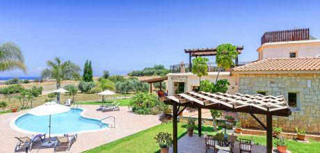 Ferienhaus Zypern Latchi 3732 mit Pool und separatem Whirlpool für 6 Personen. Wechseltag Mittwoch, Nebensaison flexibel auf Anfrage – Mindestmietzeit 1 Woche.