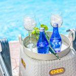 Ferienhaus-Zypern-ZYS3733-Erfrischung-am-Swimming-Pool