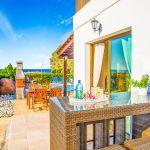 Ferienhaus-Zypern-ZYS3735-Gartentisch