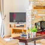 Ferienhaus-Zypern-ZYS3735-TV-im-Wohnraum