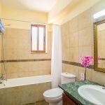 Ferienhaus-Zypern-ZYS4741-Badezimmer-mit-Wanne