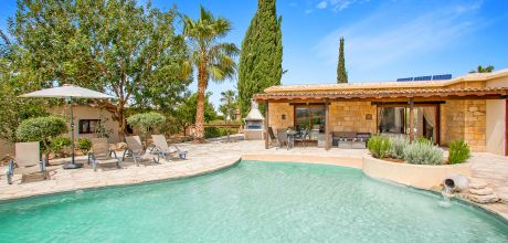 Ferienhaus Zypern Coral Bay 3736 mit Pool, Whirlpool und Meerblick für 6 Personen. Wechseltag Mittwoch, Nebensaison flexibel auf Anfrage – Mindestmietzeit 1 Woche.